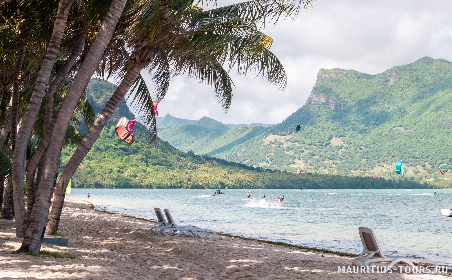 Пляж Ле Морн на западном побережье Маврикия