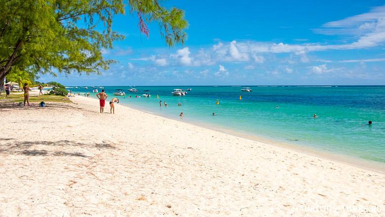 Пляж Ле Морн на Маврикии - один из лучших пляжей острова
