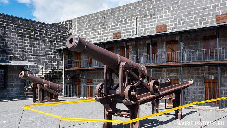 Форт Аделаида - одна из достопримечательностей Порт Луи