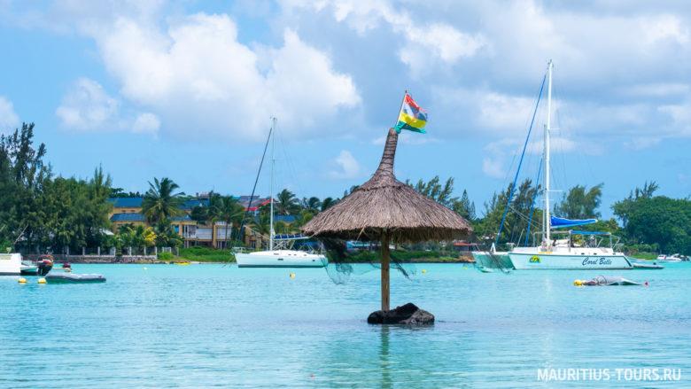 Вода в бухте Гранд бэй на Маврикии